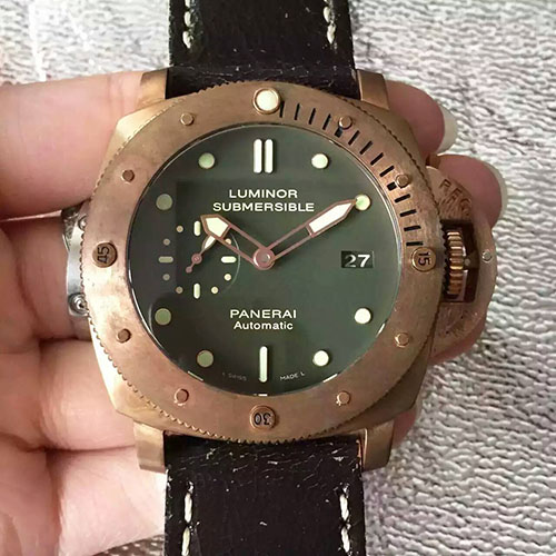 沛納海 Panerai Luminor Submersible系列pam382