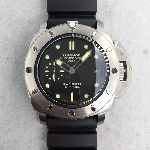 沛納海 Panerai Luminor Submersible系列pam364 搭載P.9000機芯